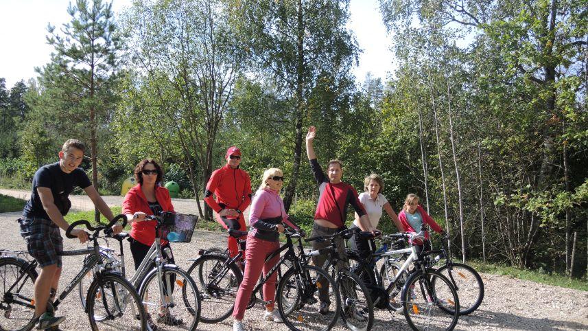 Su dviračiu po Gražutės regioninį parką