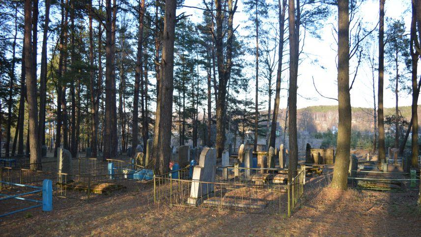 Zarasai new Jewish cemetery